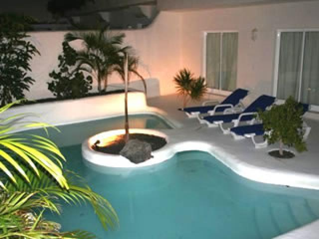 5 star villa in Corralejo Fuerteventura with private pool, air conditioning, 3 bedrooms and 3 bathrooms - sleeps 6